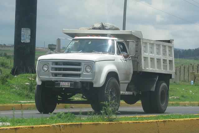 Dodge D-600 | An old Dodge D-600 dump truck, the D-600 is st… | Flickr