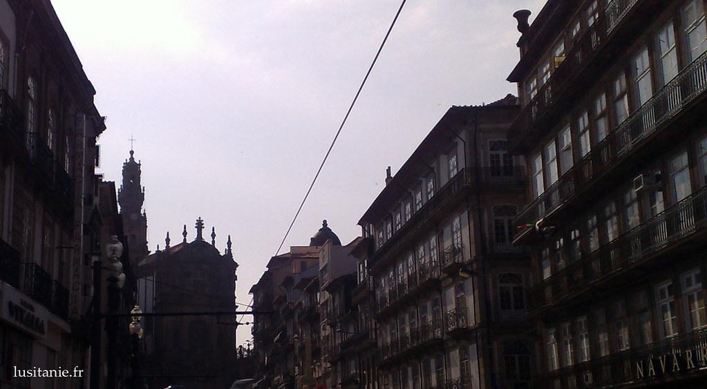 Rue et Torre dos Clerigos
