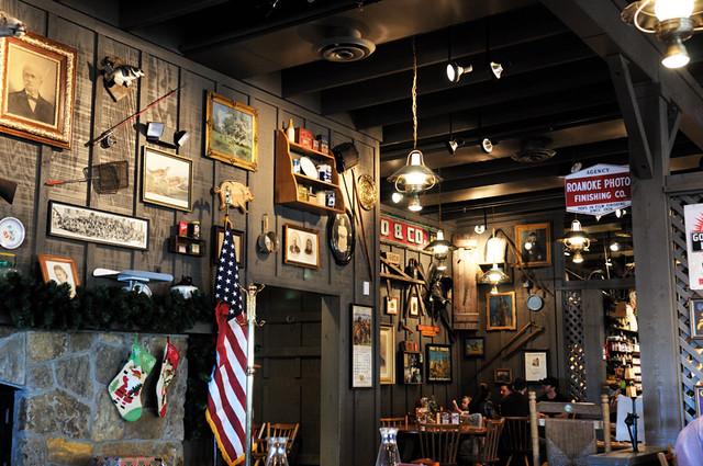 crackerbarrel mantle wall | CrackerBarrel restaurant decor | Flickr