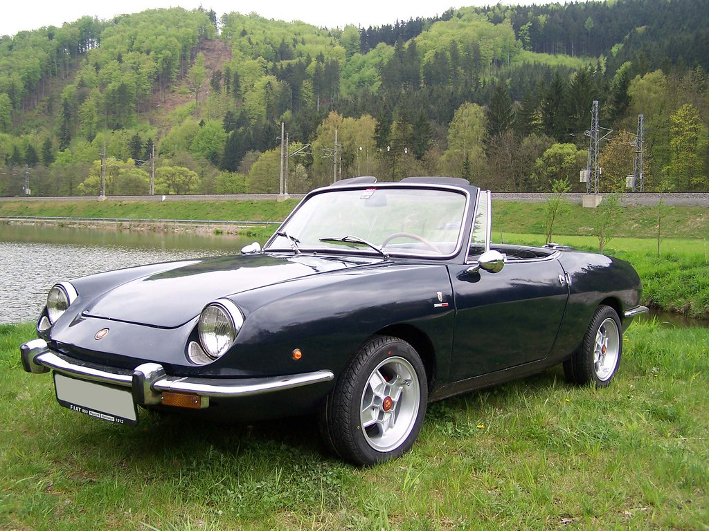 fiat 850 sport spider and spider again with beautiful. Black Bedroom Furniture Sets. Home Design Ideas