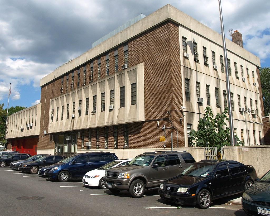 P060 Nypd Police Station Precinct 60 Coney Island Brookl