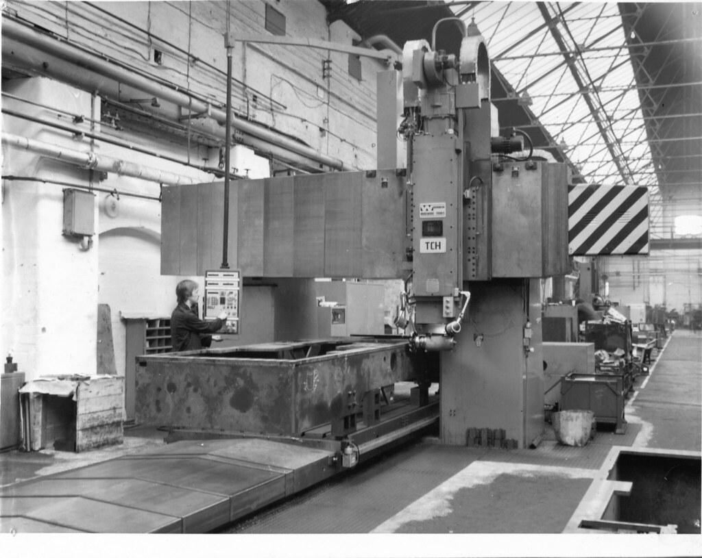 Used Milling Machine >> Hunslet - Wadkin Vertical Miller/Borer   Photo taken c ...