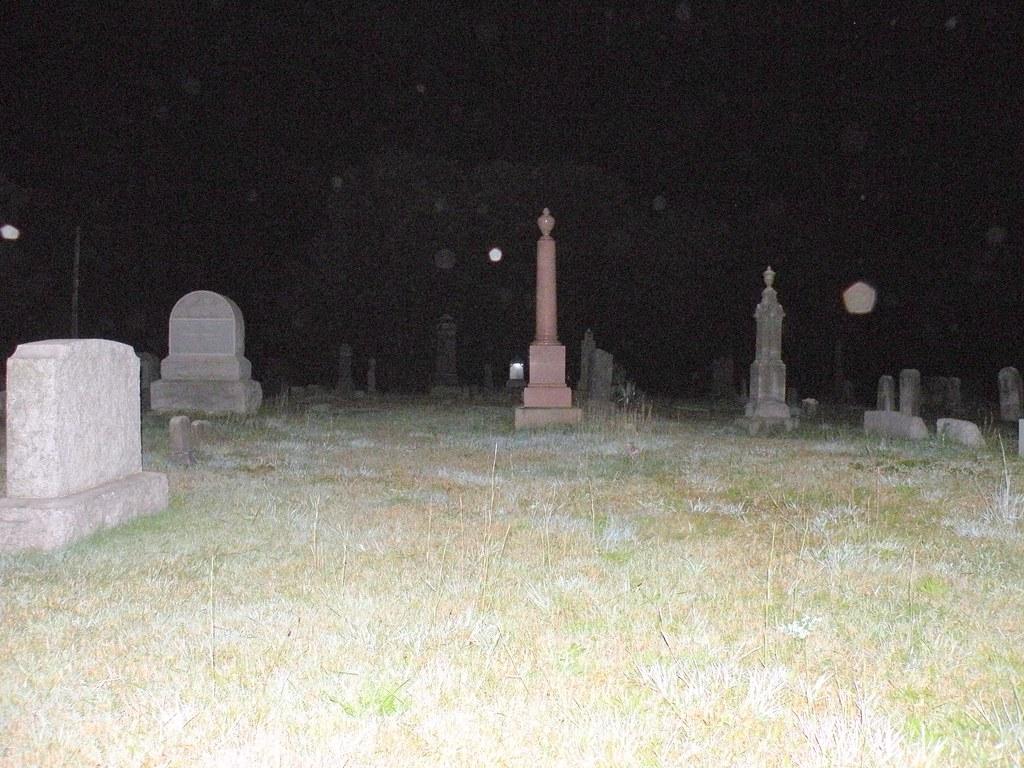 Union Cemetery Easton Ct Haunted 09 07 08 826