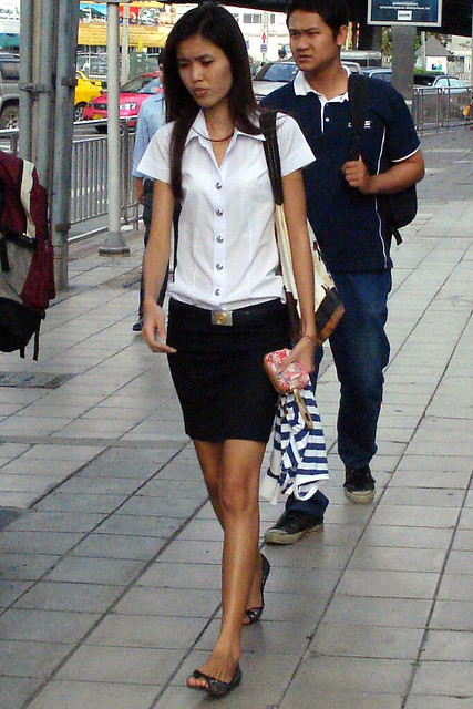 Thai Student In Uniform  Student On Sathorn Road Deep In -1245