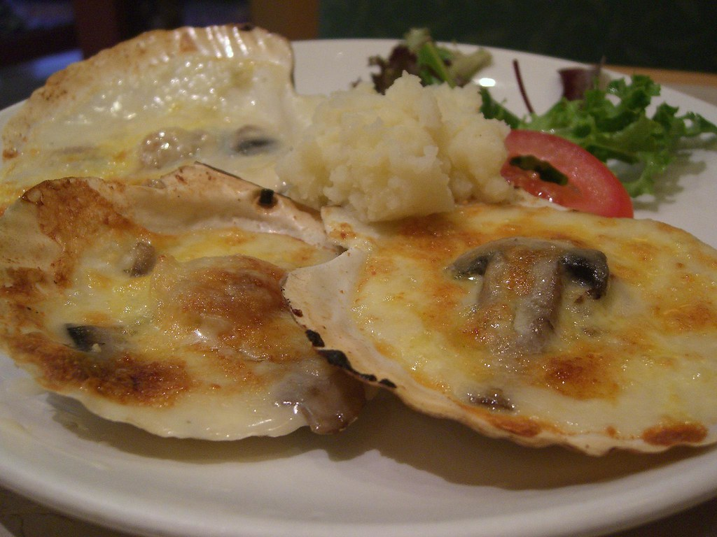芝士白菌炬带子 Baked Scallops with Cheese - New Age HK Cafe | Flickr