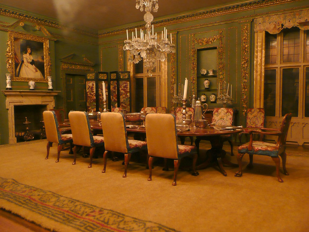 Dollhouse Dining Room There Was A Small Gallery In The