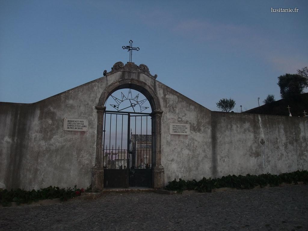 cidade velha ourem cemiterio 3