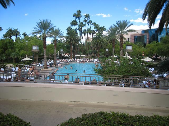 Swimming Pool At Mgm Grand Flickr Photo Sharing