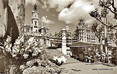 Valencia capital 11540 plaza y ayuntamiento for Fotos antiguas de valencia