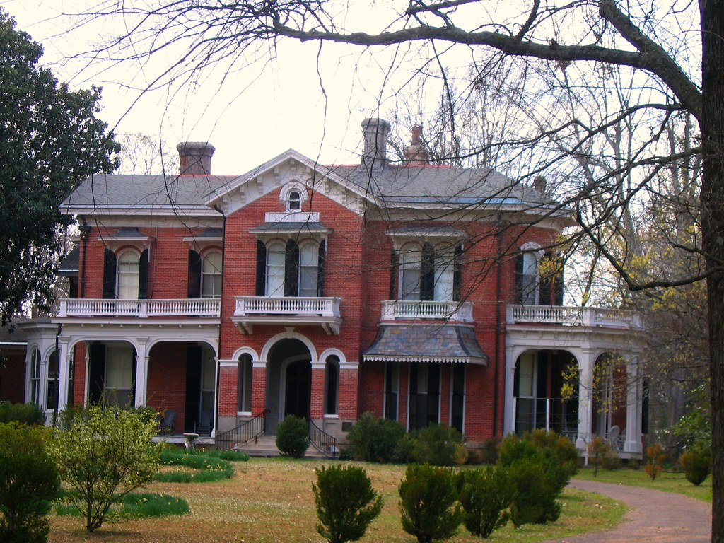 Oxford mississippi iii walking tour of antebellum homes for Home builders ms