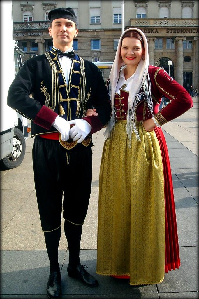 Traditional Croatian costumes. Zagreb. | Lado. | Rosa ...