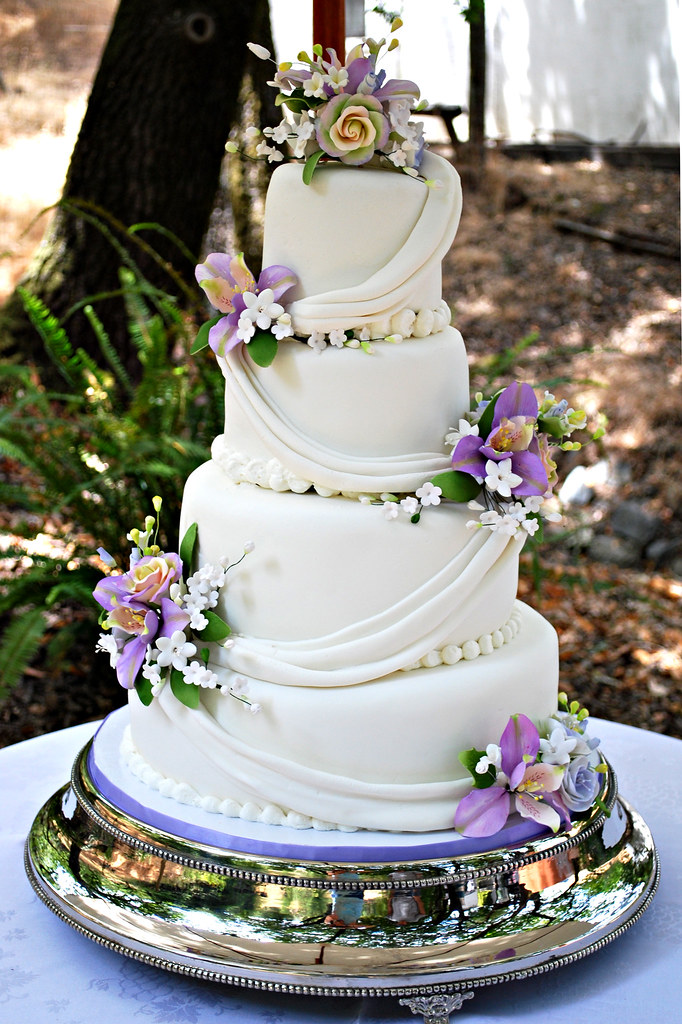 sugar flower wedding cakes sugar flower drapped wedding cake this cake was for a 7794