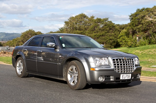 Chrysler 300c The Mafia Vehicle The Chrysler 300c 6 1 Hem