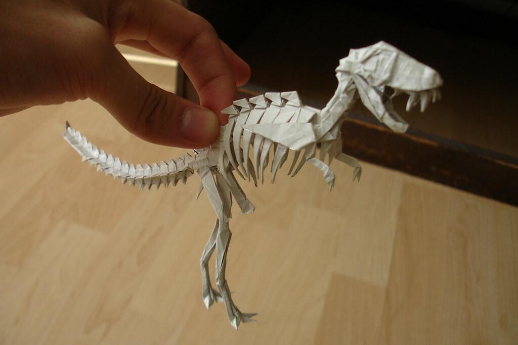Смотреть как сделать из бумаги скелета