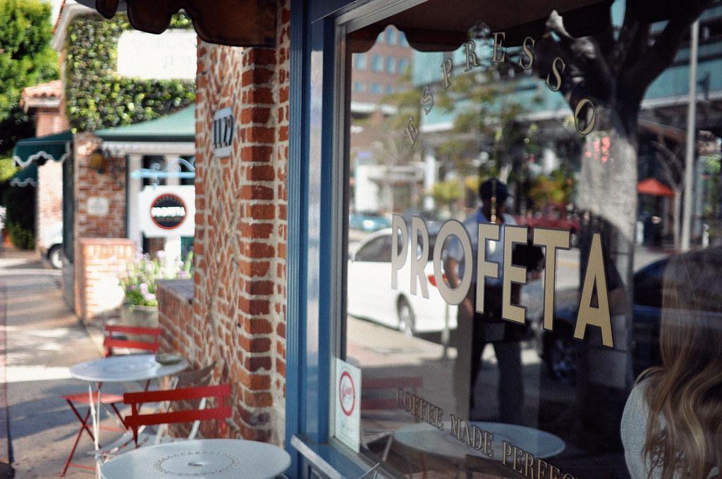 Cafe Ruth  Rue Du Fbg Du Temple Paris