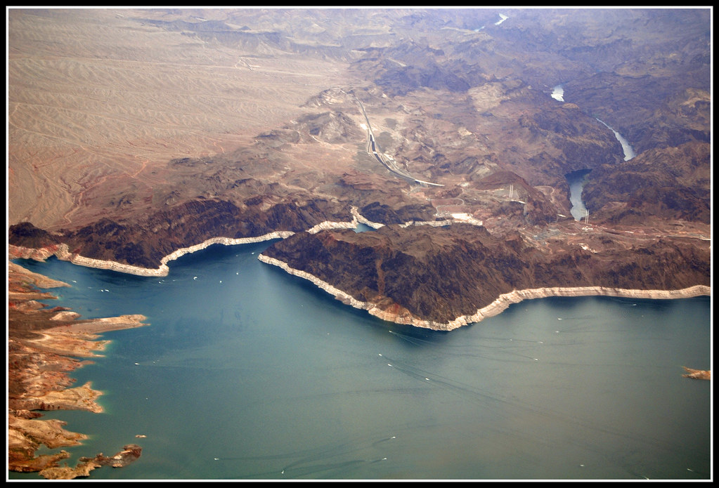 Lake Mead S Bathtub Ring About 96 Percent Of The Water