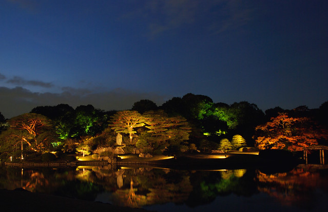 Japanese Garden At Night japanese garden at night / 六義園の夜景 | see where this picture w