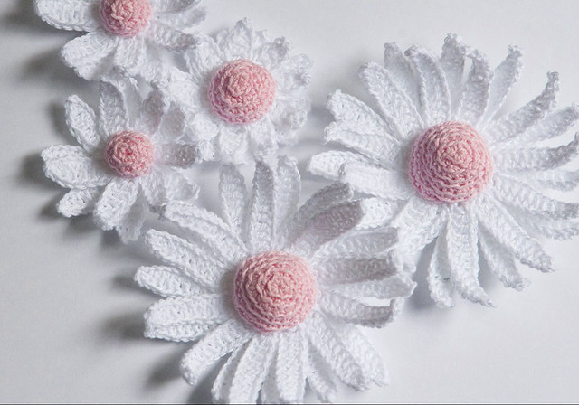 Crochet daisy flowers After some experimenting finally I ...