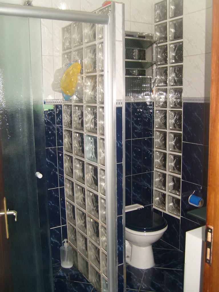 Banheiro do Primeiro Andar (Box de Vidro e parede de Bloco…  Flickr -> Armario De Banheiro Feito De Tijolo De Vidro