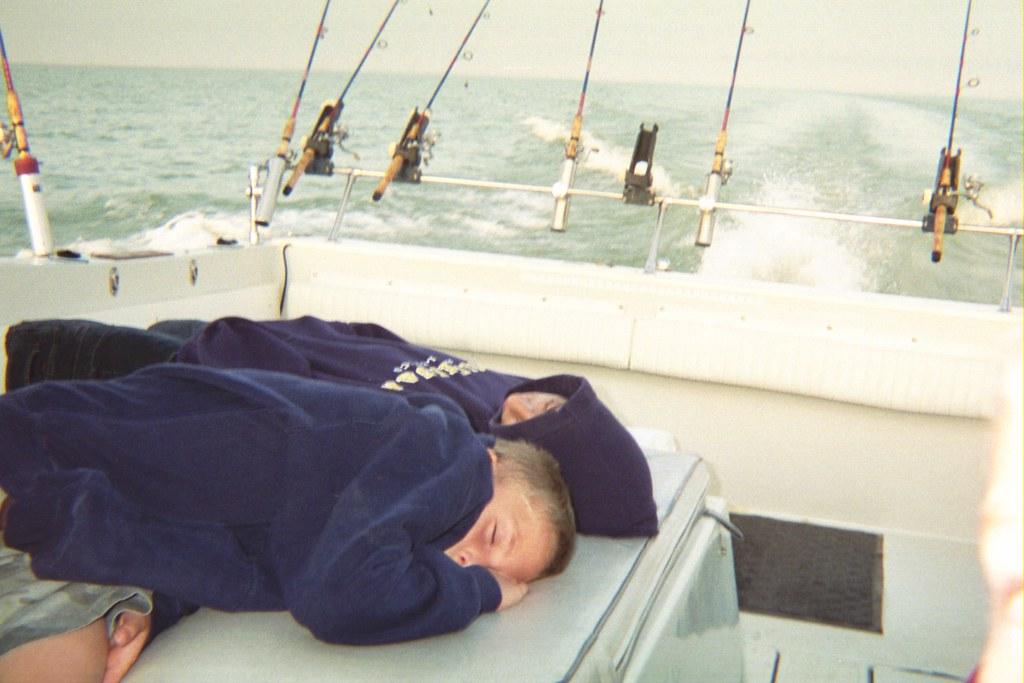 Lake erie walleye and perch fishing charter trips luna pie for Lake erie pier fishing