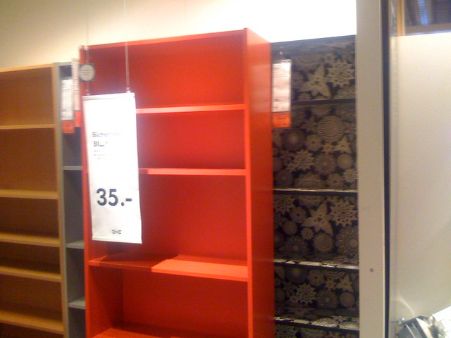 rotes und gemustertes billy regal bei ikea flickr. Black Bedroom Furniture Sets. Home Design Ideas