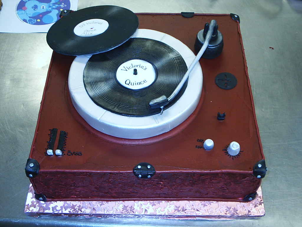 Record Player Cake Ideas