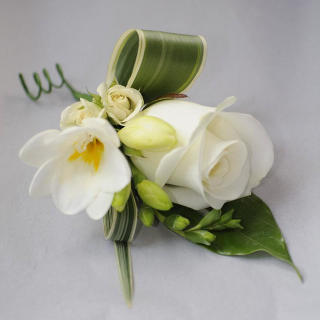 Corsages For New York City High School Prom
