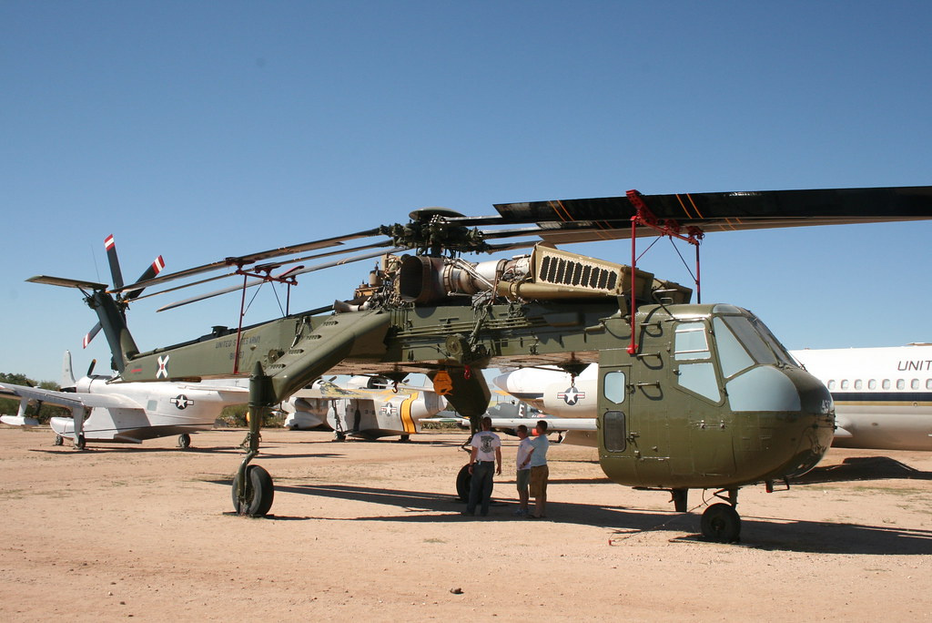 Elicottero Sikorsky : Sikorsky ch sky crane helicopter at the pima air museum