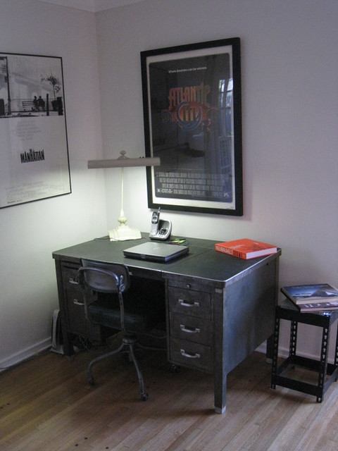 desk/work area in living room | The work desk in the corner … | Flickr