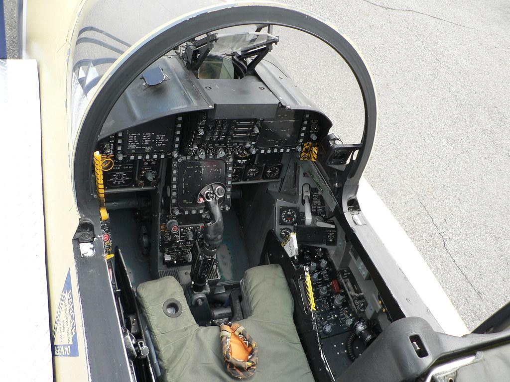 F 18 Cockpit F 18 Cockpit | www.pix...