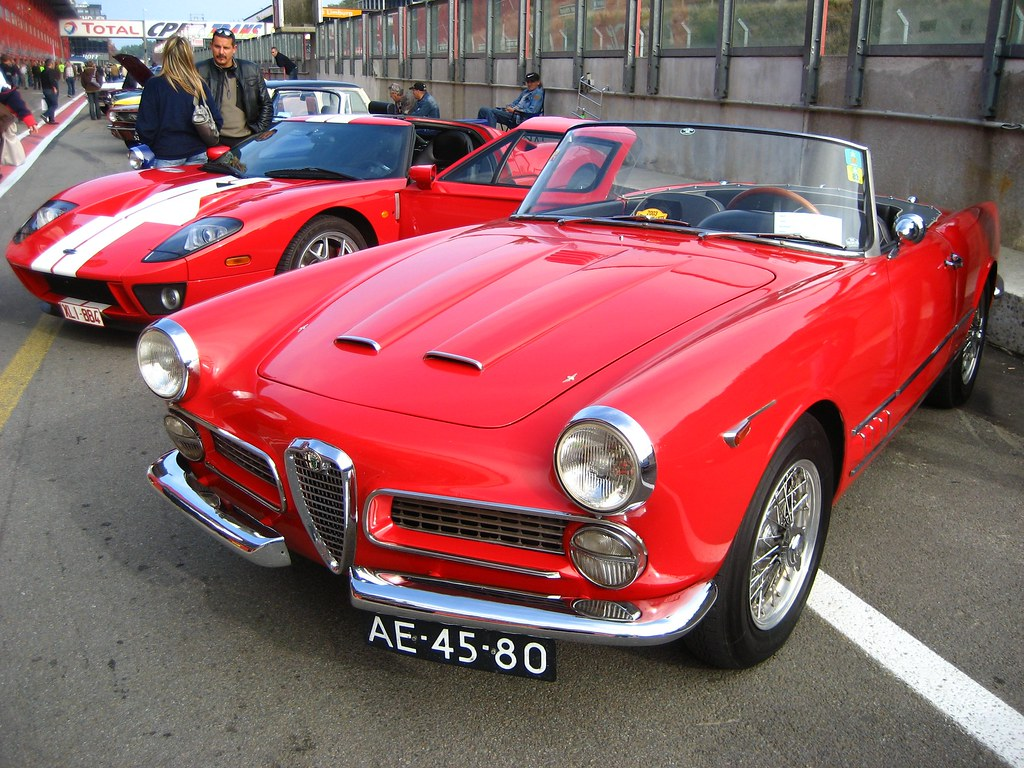alfa romeo 2000 touring convertible flickr. Black Bedroom Furniture Sets. Home Design Ideas