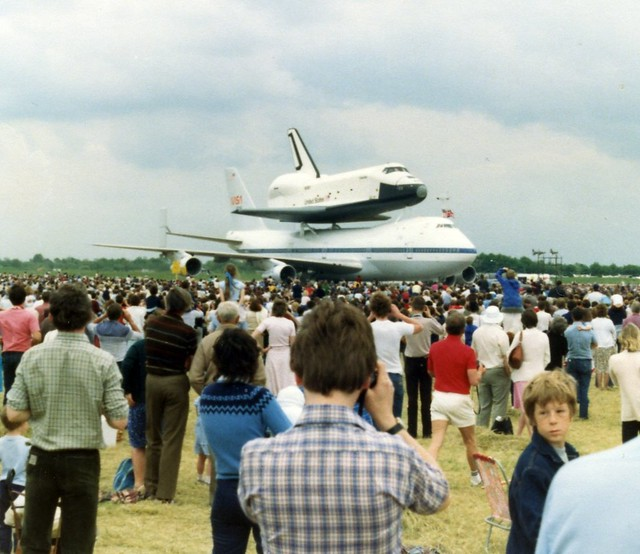 space shuttle landing at stansted - photo #13