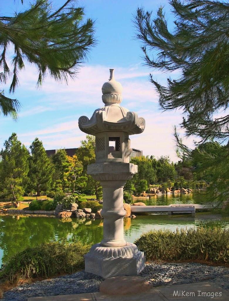 Kasuga Lantern The Japanese Friendship Garden In Phoenix Flickr
