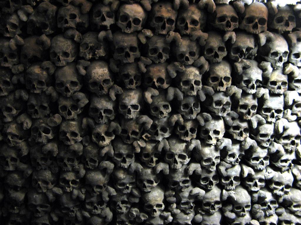 Skull Wall, Leuk Stadt | Beinhaus Leuk Stadt: an uneasy ...