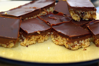 peanut butter and chocolate rice crispy bars | by sassyradish