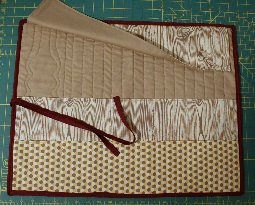 Quilted Knitting Needle Case Pattern : Quilted knitting needle case ged here tutorial