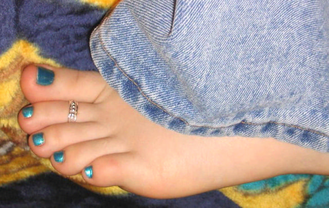 Cute Teen Feet  I Need Your Comments  Support  Ms -8089