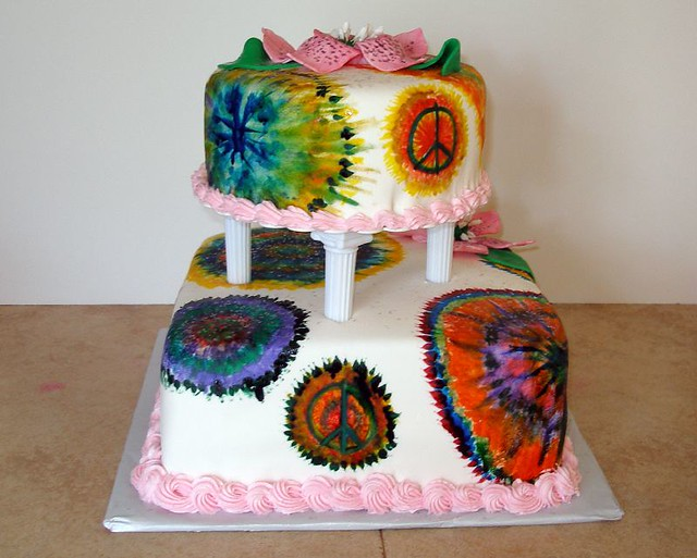 tie dye wedding cakes tie dye highschool grad cake blue grad cake back view 20963