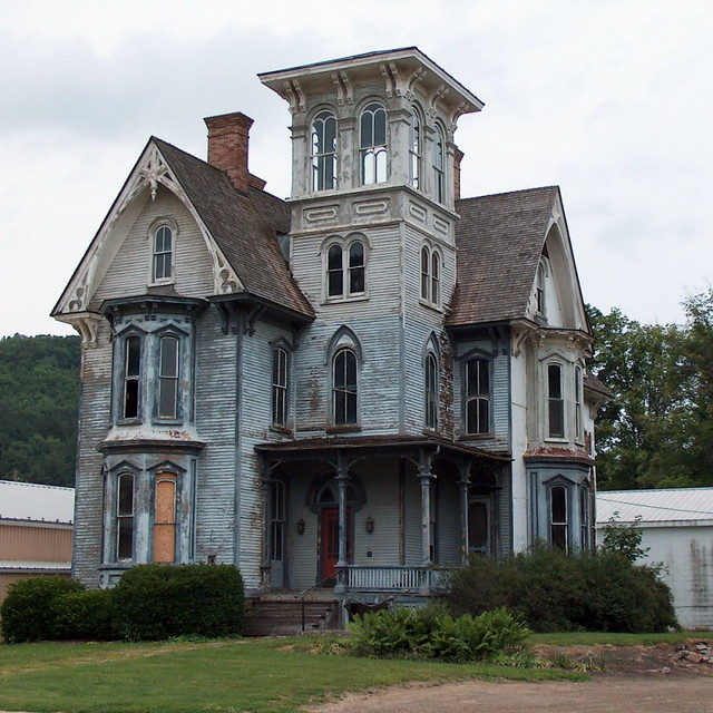 Spooky house with tower smethport pennsylvania flickr for Homes with towers