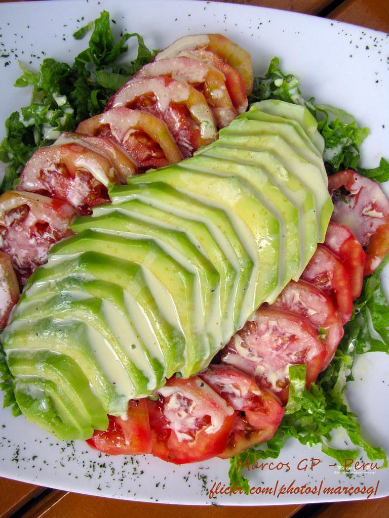 Ensalada de palta y tomate con lechuga como decoraci n for Decoracion de ensaladas