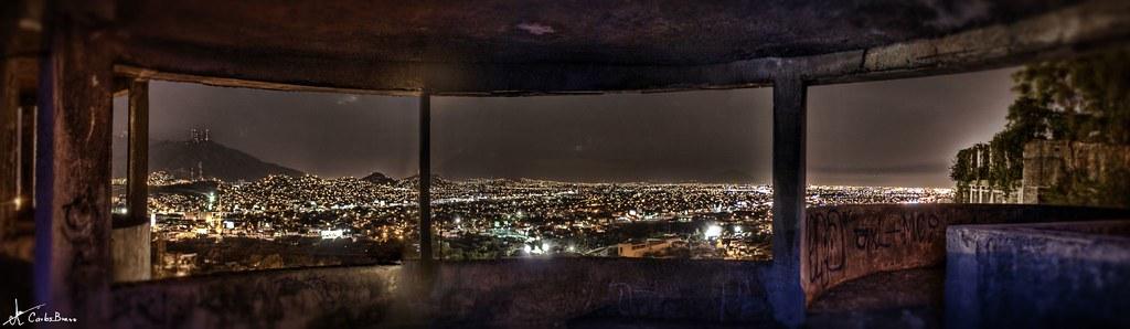 Casa de los tubos interior carlos bravo flickr - La casa de las perchas ...