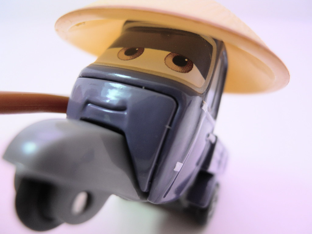 disney cars 2 movie doubles race team mater master zen pit ...