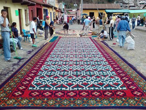 Alfombra de aserr n para la procesi n de jes s nazareno de for Antigua alfombras