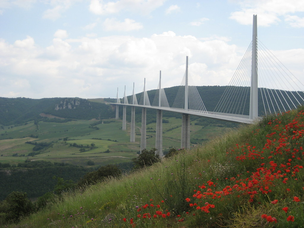 le viaduc de millau milhau en languedocien le viaduc franc flickr. Black Bedroom Furniture Sets. Home Design Ideas