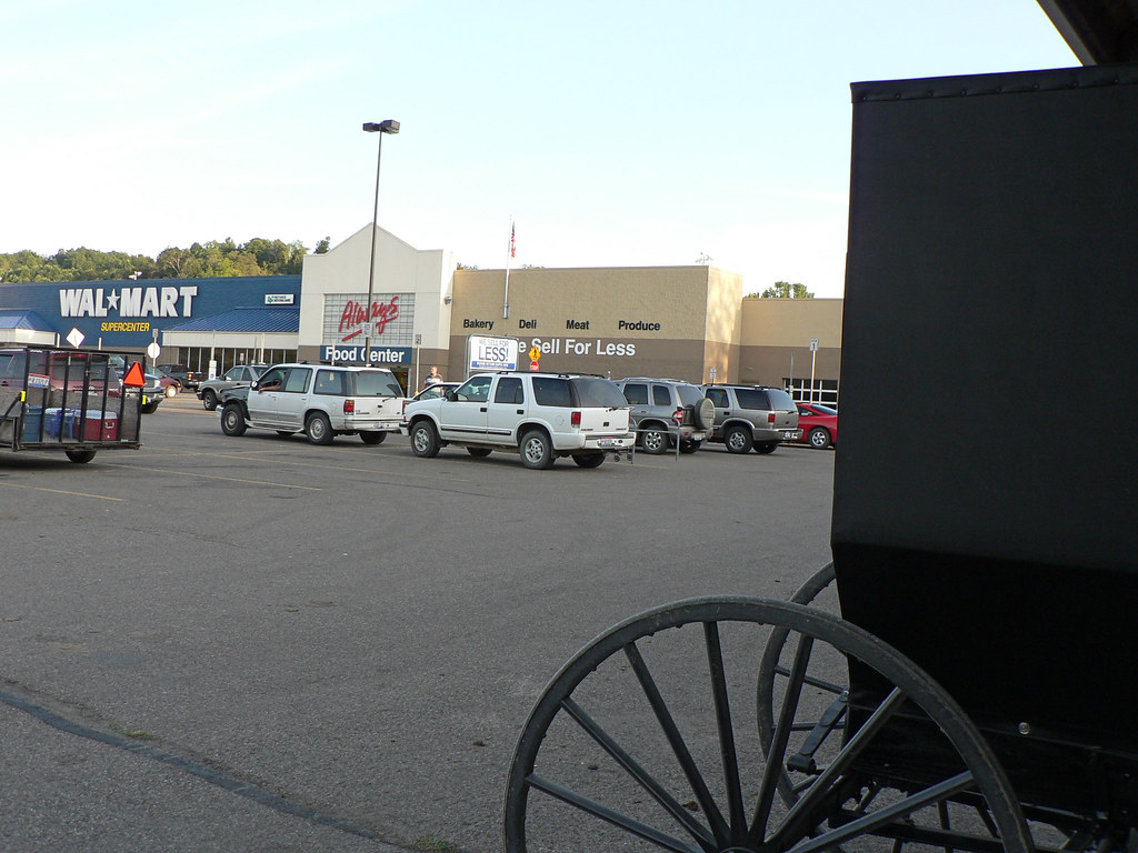 Amish hitching post at wal mart in millersburg ohio flickr for Cabine millersburg ohio paese amish