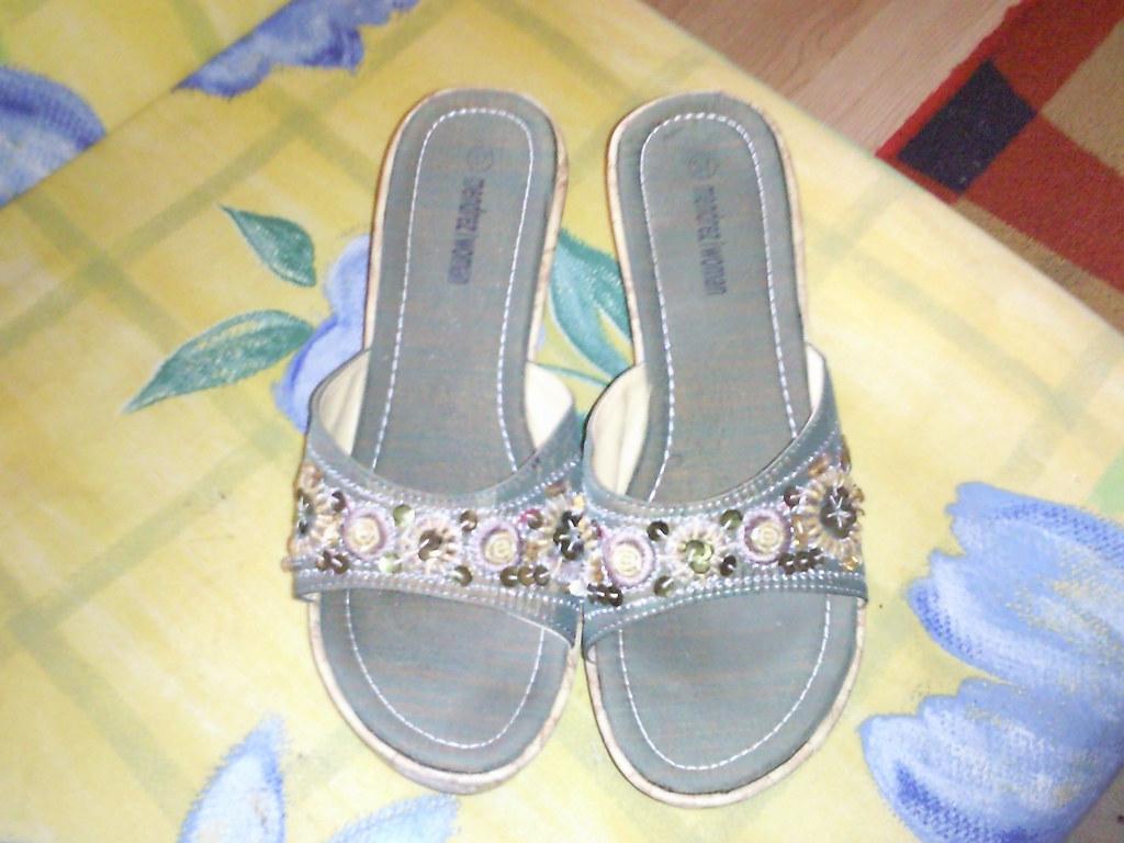 Mendrez White Shoes