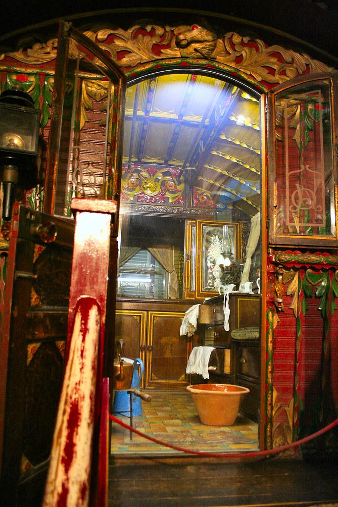 Gypsy Caravan Old Gypsy Caravan In Bristol Museum