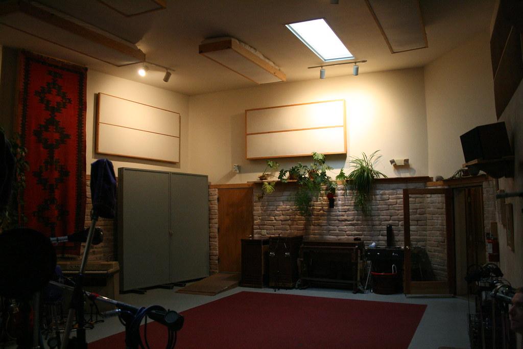 Stepbridge live room | This photo is licensed under a ... Stepbridge