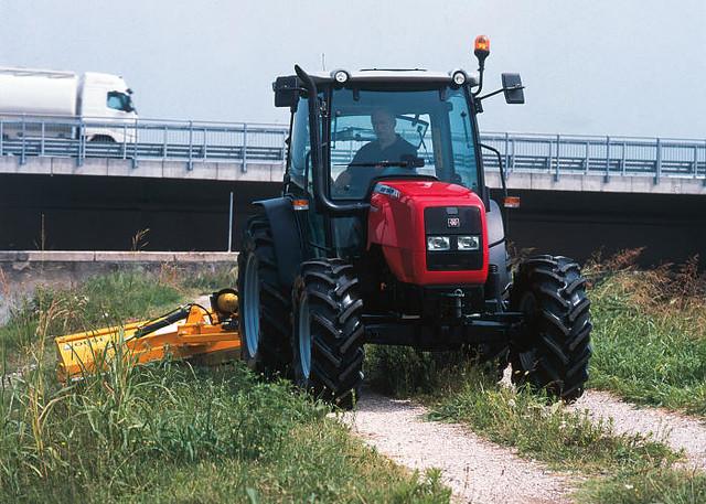 Massey Ferguson 2400 : Ciągnik massey ferguson ciągniki mf km