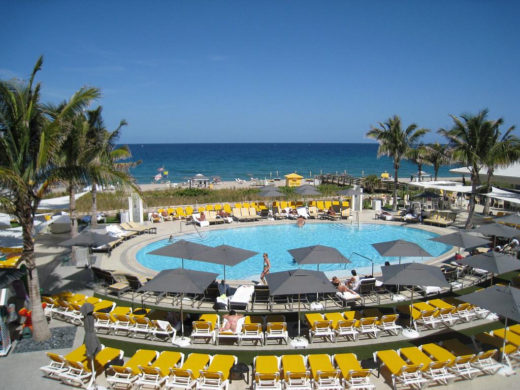 Boca Beach Club  Restaurant